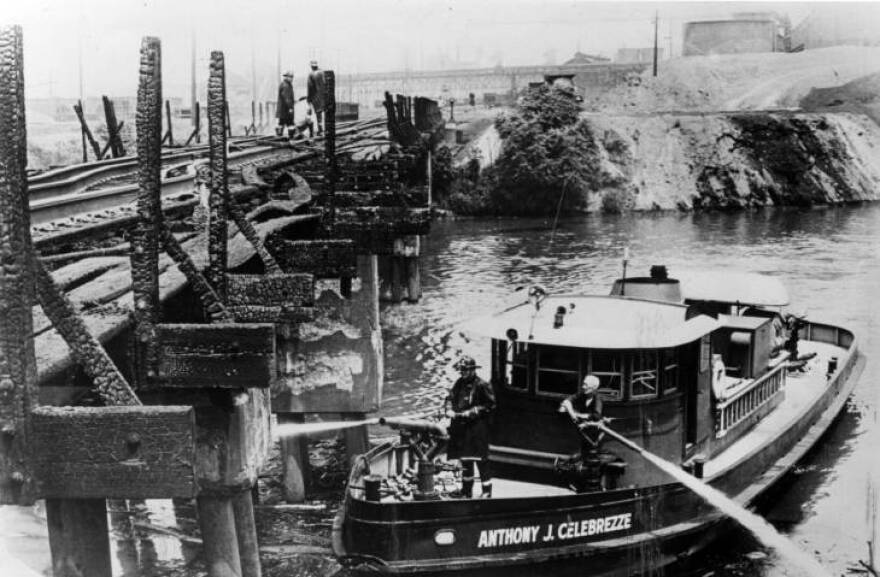 photo of 1969 Cuyahoga River fire after the fire was put out