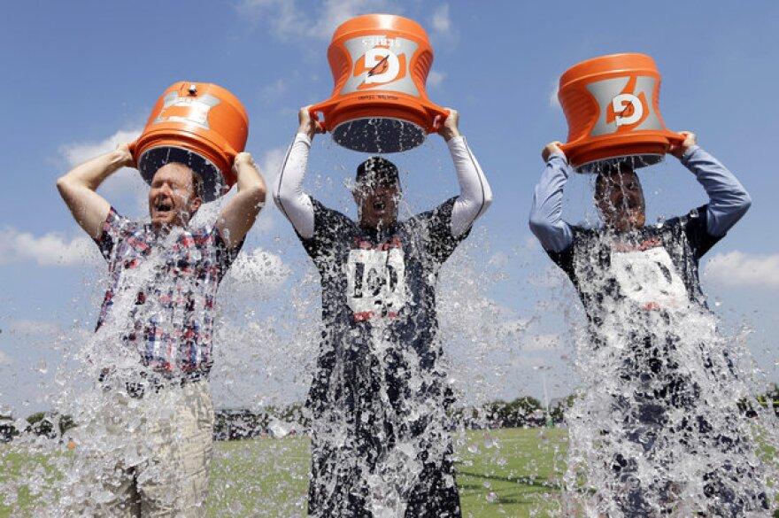 Ice_Bucket_Challenge_1.jpg