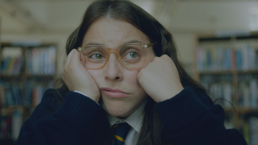 Beanie Feldstein stars as Johanna Morrigan in <em>How To Build A Girl,</em> adapted from Caitlin Moran's 2014 semi-autobiographical novel.