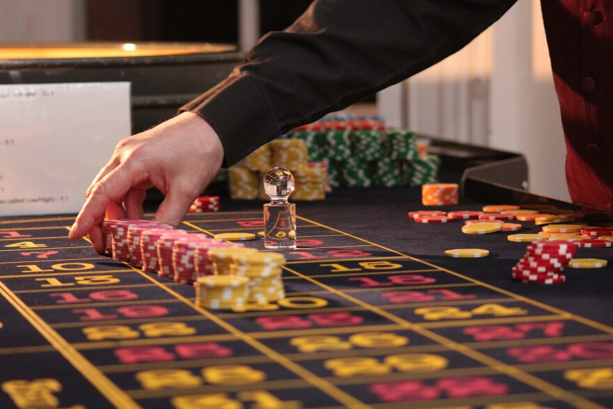 roulette-casino-2246562_1920.jpg
