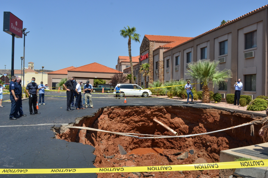 2020 In Pictures/st_george_sinkhole_flash_flood_lp.png