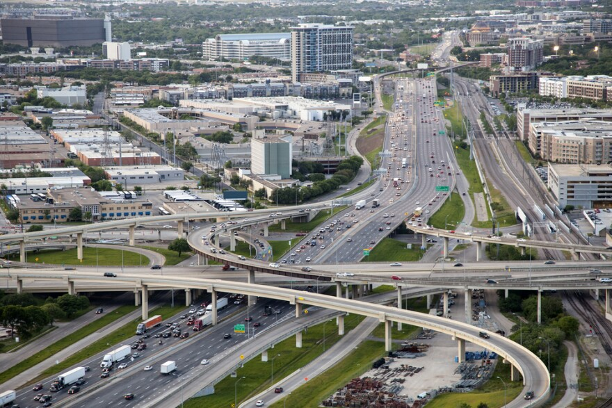 dallas_highways_shutterstock.jpg