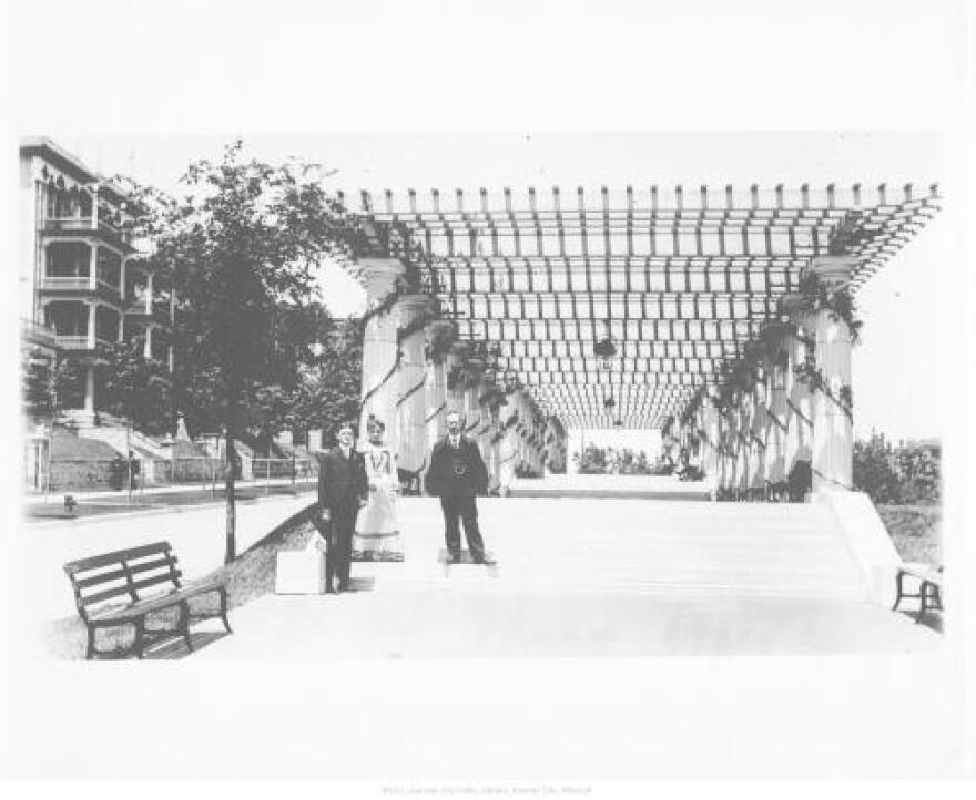 three_unidentified_people_at_the_south_end_of_the_pergola..jpg