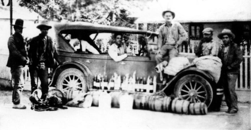 historic-border-smugglers.png