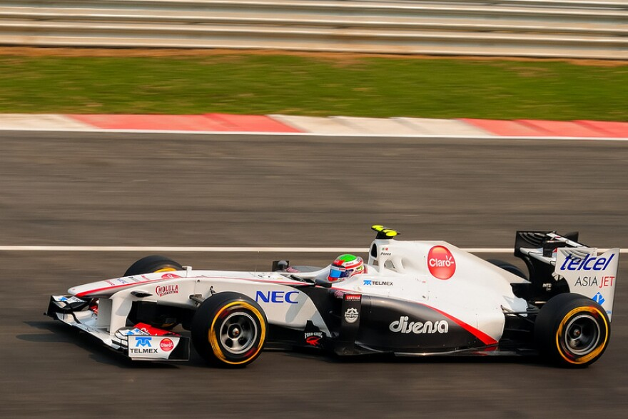Sergio Perez driving in 2011.jpg