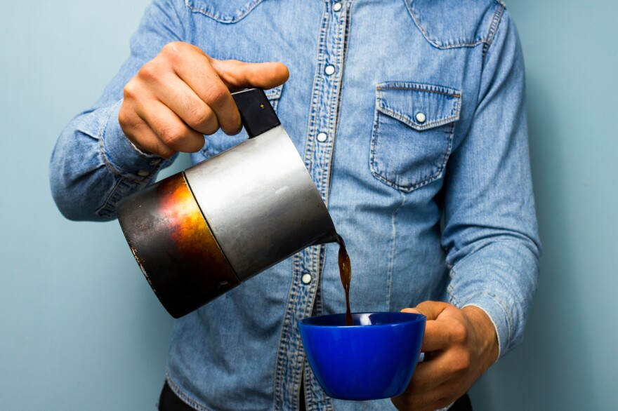 People who drank three to five cups of coffee per day had a lower risk of premature death than those who didn't drink, a new study finds.