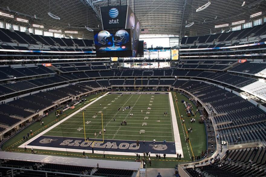 Cowboys_Stadium_Flickr.jpg