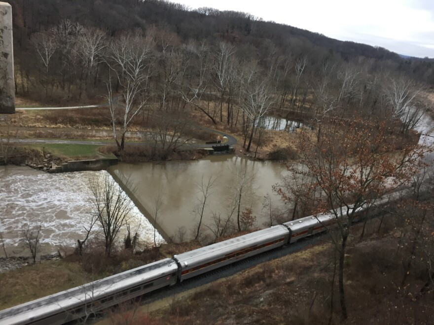 A photo of Brecksville Dam