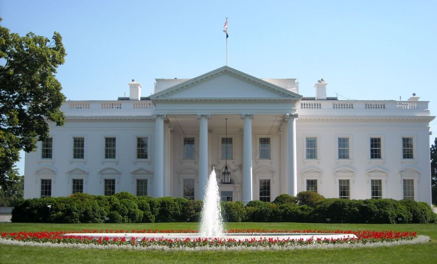 A photo of the White House.