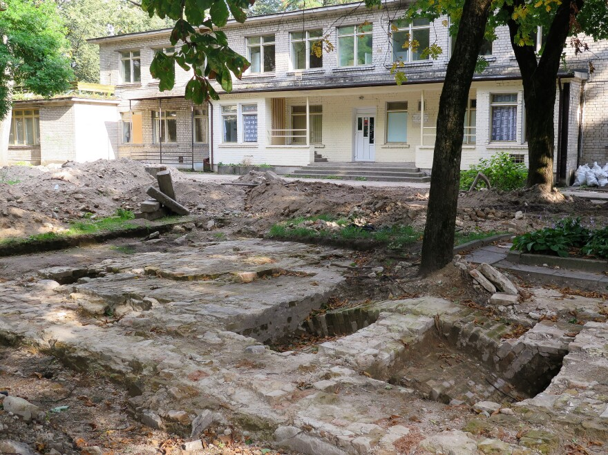 During the summer, archaeologists dug trenches crisscrossing a former kindergarten playground, exposing the brickwork of cellars at the site of the Great Synagogue of Vilnius.