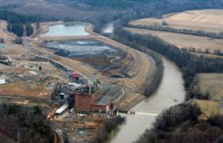 dan_river_coal_ash_ponds.jpg