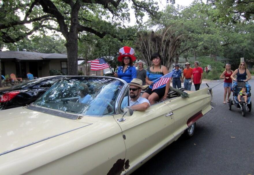 delwood_july_4_parade__2_.jpg