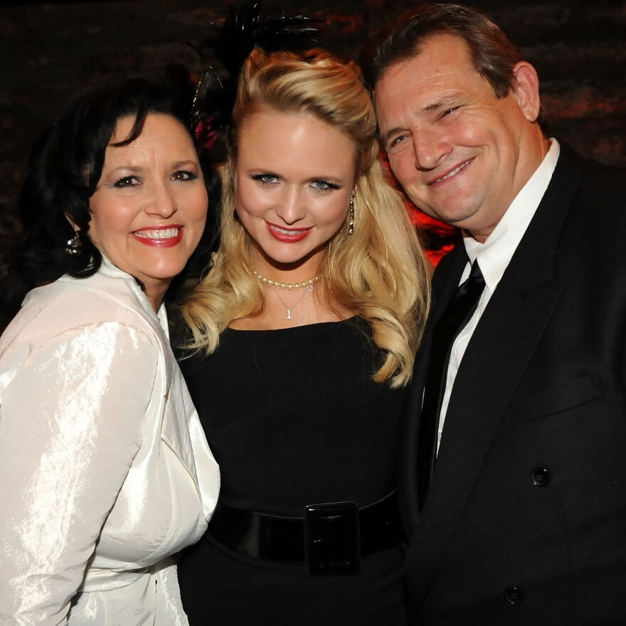 Miranda Lambert (center) with her parents Bev (left) and Rick Lambert in 2010.
