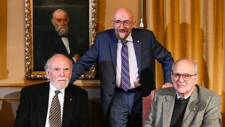 The 2017 Nobel Prize in physics laureates (from left) Barry C. Barish, Kip S. Thorne and Rainer Weiss, pose during a joint news conference in December 2017 at the Royal Swedish Academy of Science in Stockholm.