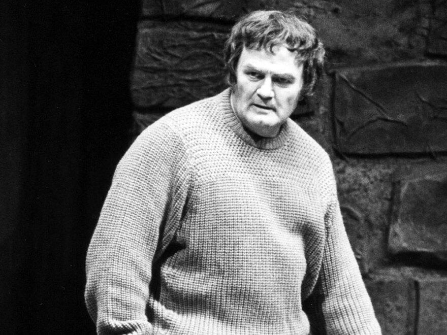 Tenor Jon Vickers in the title role of Benjamin Britten's opera <em>Peter Grimes</em> at New York's Metropolitan Opera in 1983.
