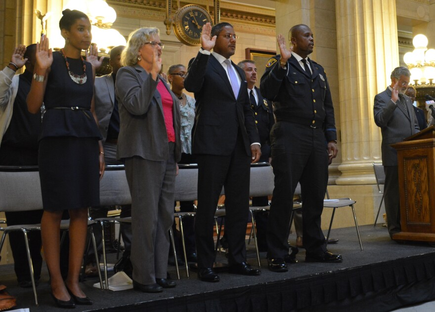 Photo of commission swearing in