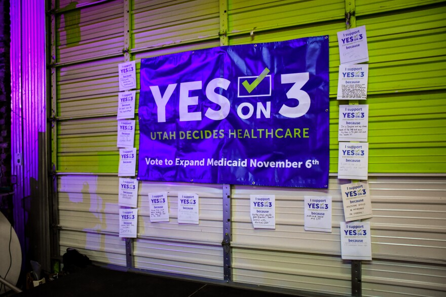 Photo of prop 3 sign.