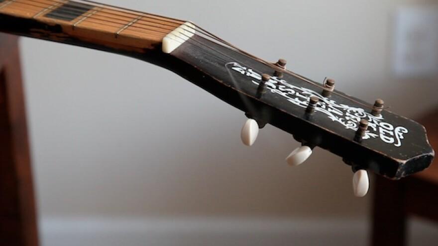GuitarHeadSM.jpg