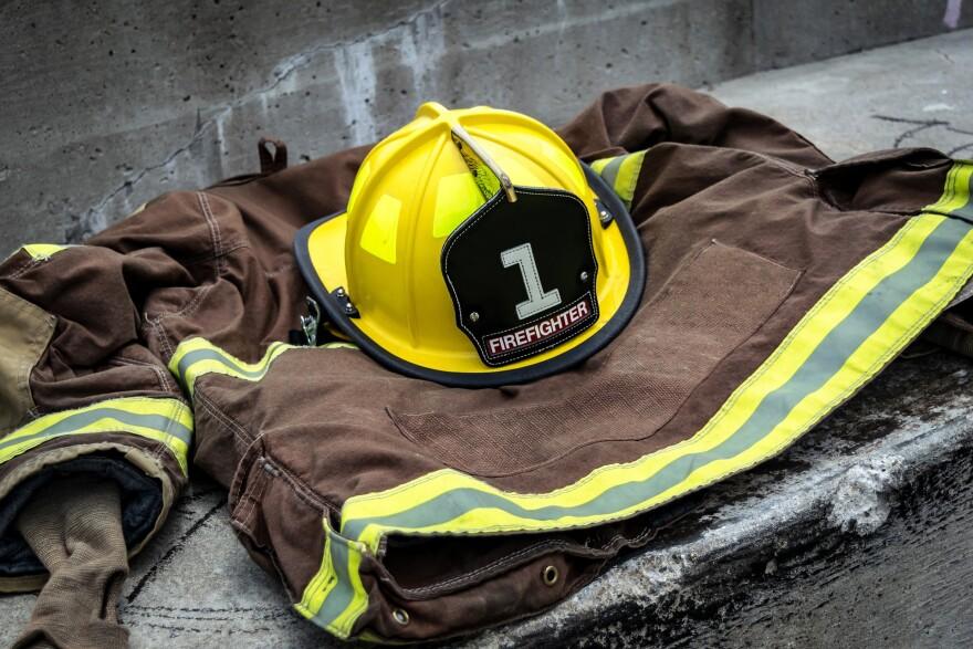 firefighter-920032_1920.jpg