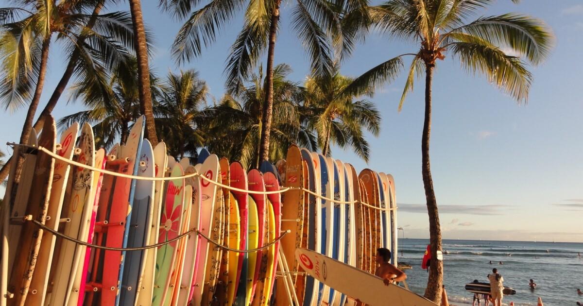 Surfboards burn in blaze next to historic Waikiki hotel