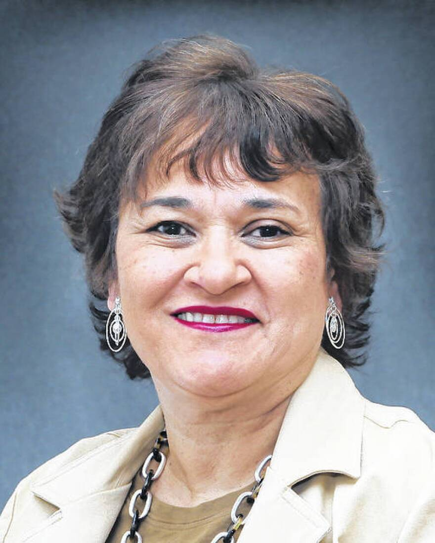 Dr.-Olivia-Holmes-Oxendine.jpg