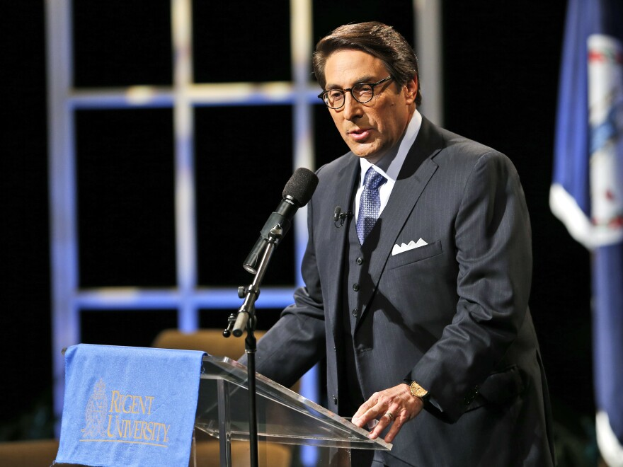 Jay Sekulow introduces Republican presidential candidate Jeb Bush in 2015.