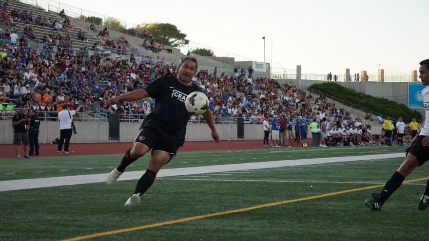 Soccer-Game-El-Paso-Soccer-TERRAZAS-081109.JPG