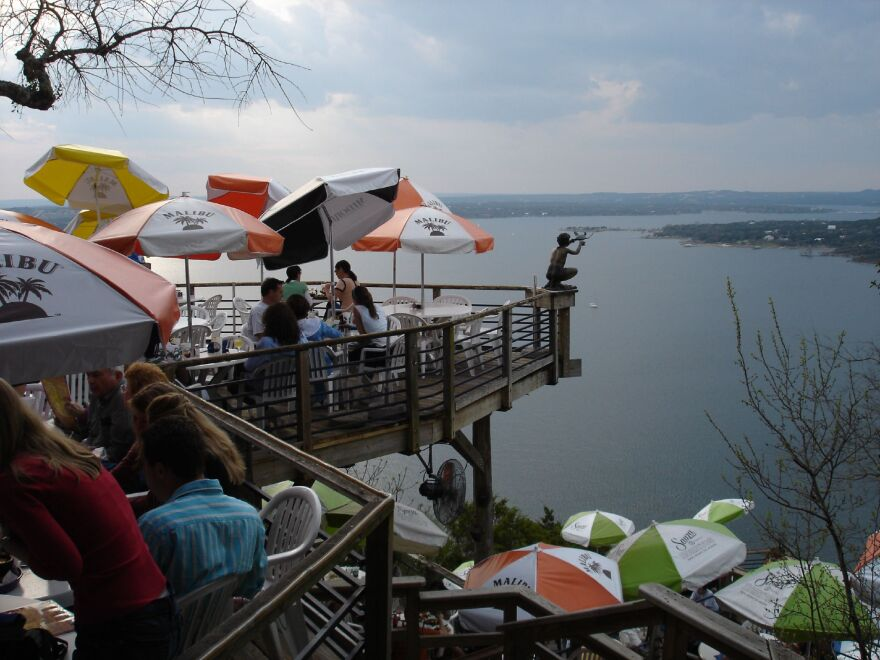 13-lake_restaurants-wyscan.jpg