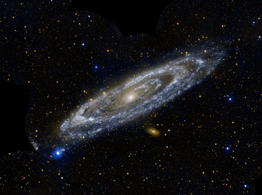 a photo of the Andromeda galaxy
