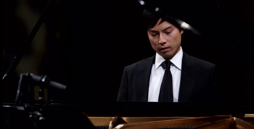 Thomas Yu playing piano