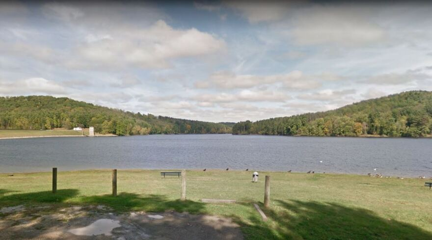 A photo of Leesville Lake