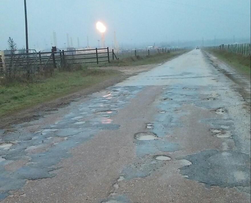Fracking_road_1.jpg
