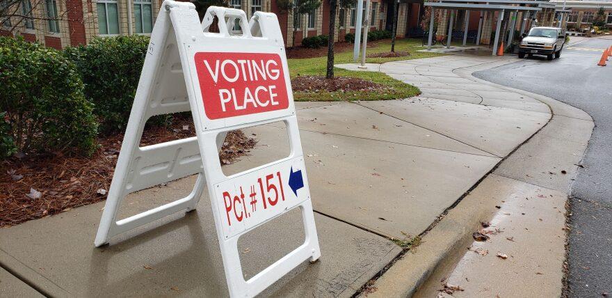 voting_sign_pc_zuri.jpg