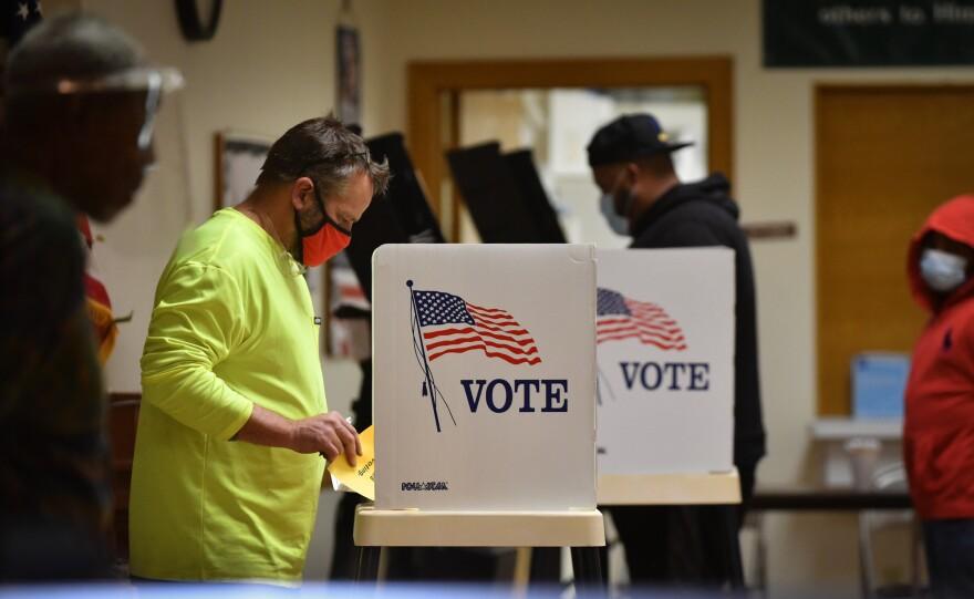 110320_CM_KansasCityKansas_Voting.jpg