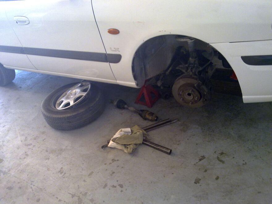 brakes_work_on_car.jpg