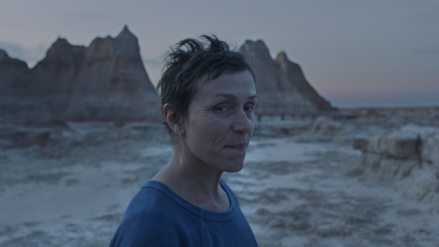 Restless and tired of ordinary life, Fern (Frances McDormand) takes to the road in <em>Nomadland.</em>