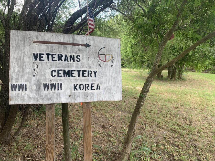 CemeterywallLeanos_1.jpeg
