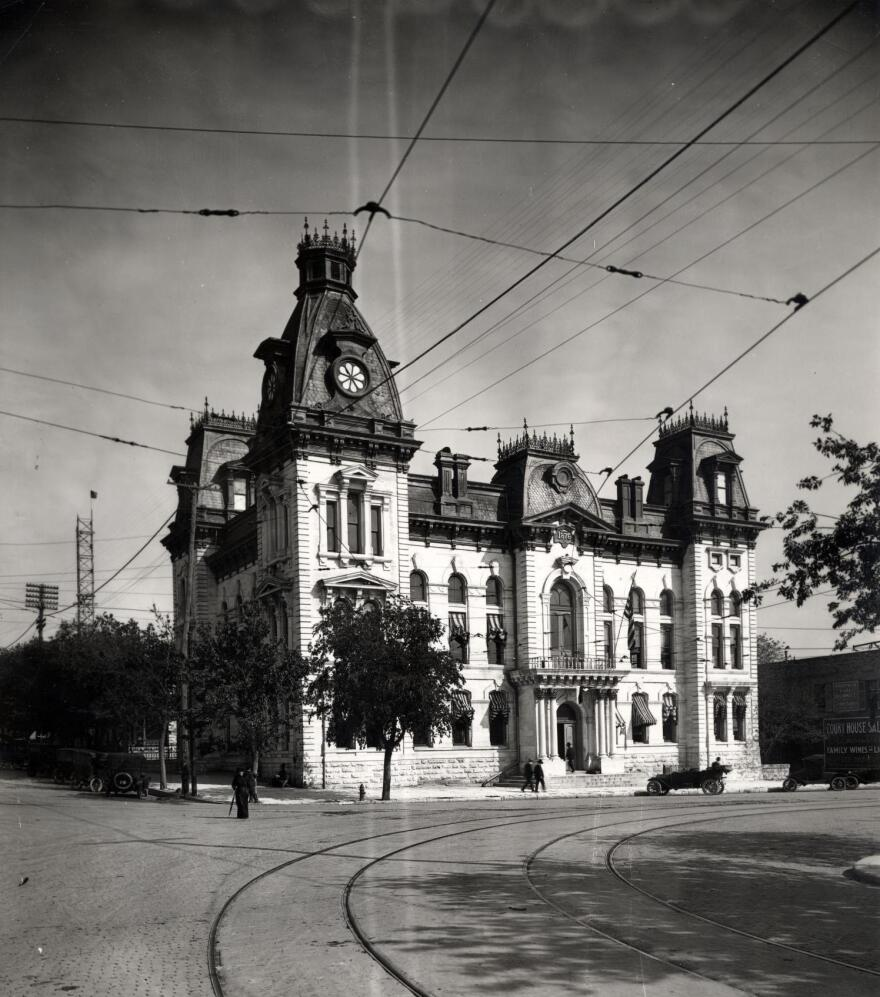 Courthouse_1875.jpg