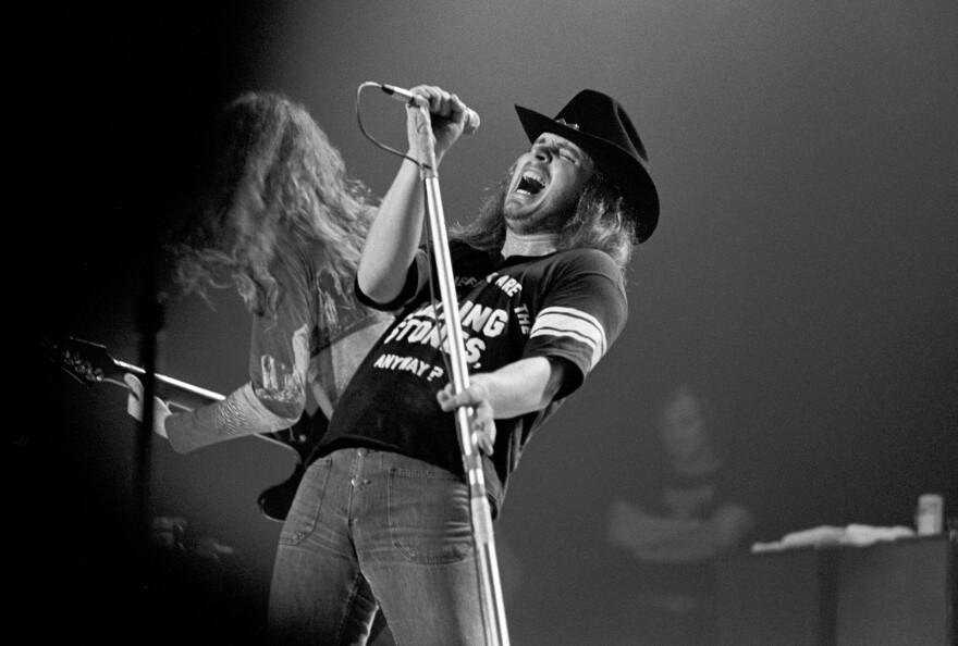 Ronnie Van Zant in 1975, onstage with Lynyrd Skynyrd at the Omni Coliseum in Atlanta.
