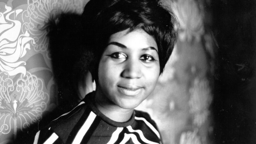 Singer Aretha Franklin has won a temporary injunction to stop a documentary about her live album <em>Amazing Grace</em> from being released. The film was to premiere Friday.