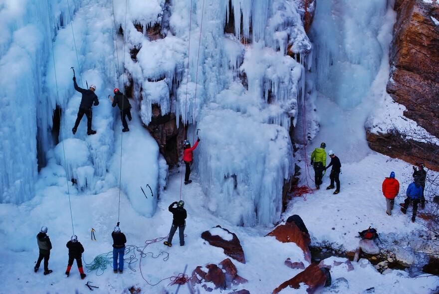 interactive_climbing_clinic._photo_credit__rhys_roberts.jpg