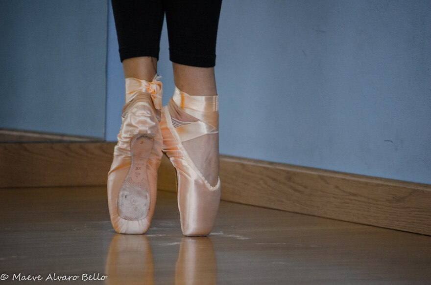 A photo of ballerina shoes.