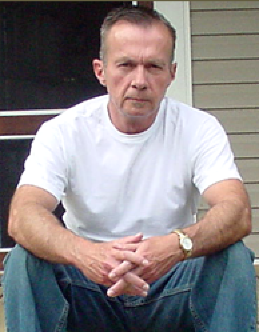 Donald Ray Pollock dropped out of high school at the age of 17 to work in a meatpacking plant. He then spent 32 years working in a paper mill before quitting to pursue his dream of becoming a writer.