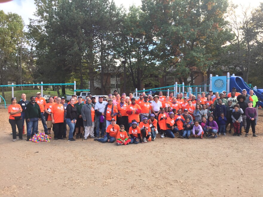 photo of volunteers at Park East