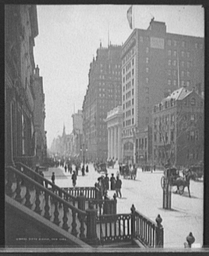 Photo of Fifth Avenue in New York City circa 1905.