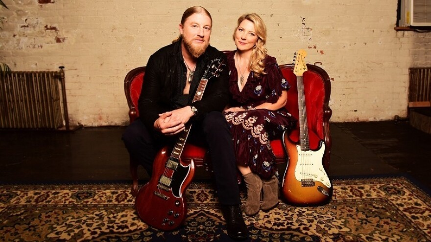 Tedeschi Trucks Band's <em>Signs </em>is out Feb. 15 on FanTasy.