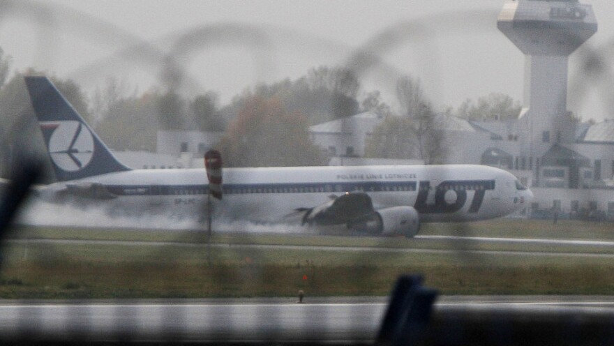 <p>This Boeing 767 of Polish LOT airlines made an emergency landing at Warsaw airport, Poland earlier today (Nov. 1, 2011). </p>