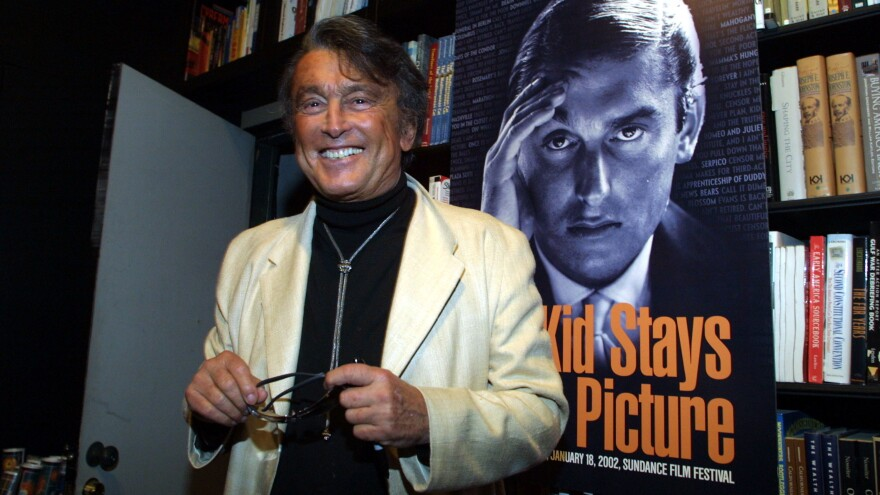 Robert Evans attends a 2002 book signing for his memoir <em>The Kid Stays in the Picture.</em>