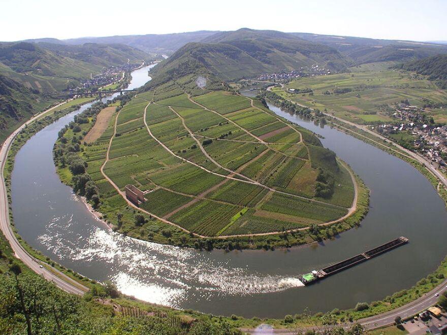 Moselle_River_Germany.jpg