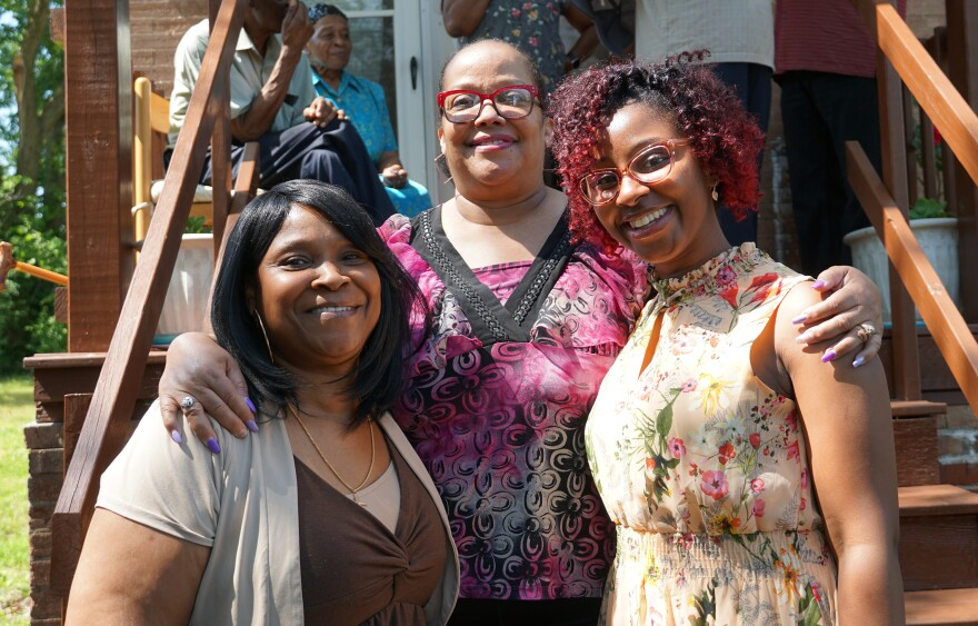 Descendants of the Shelley family attended Friday's ceremony, including Melody Davis, center, and Melinda Jones, right.
